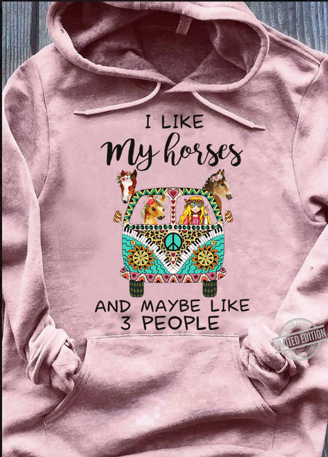 I Like My Horses And Maybe Like 3 People Women T-Shirt