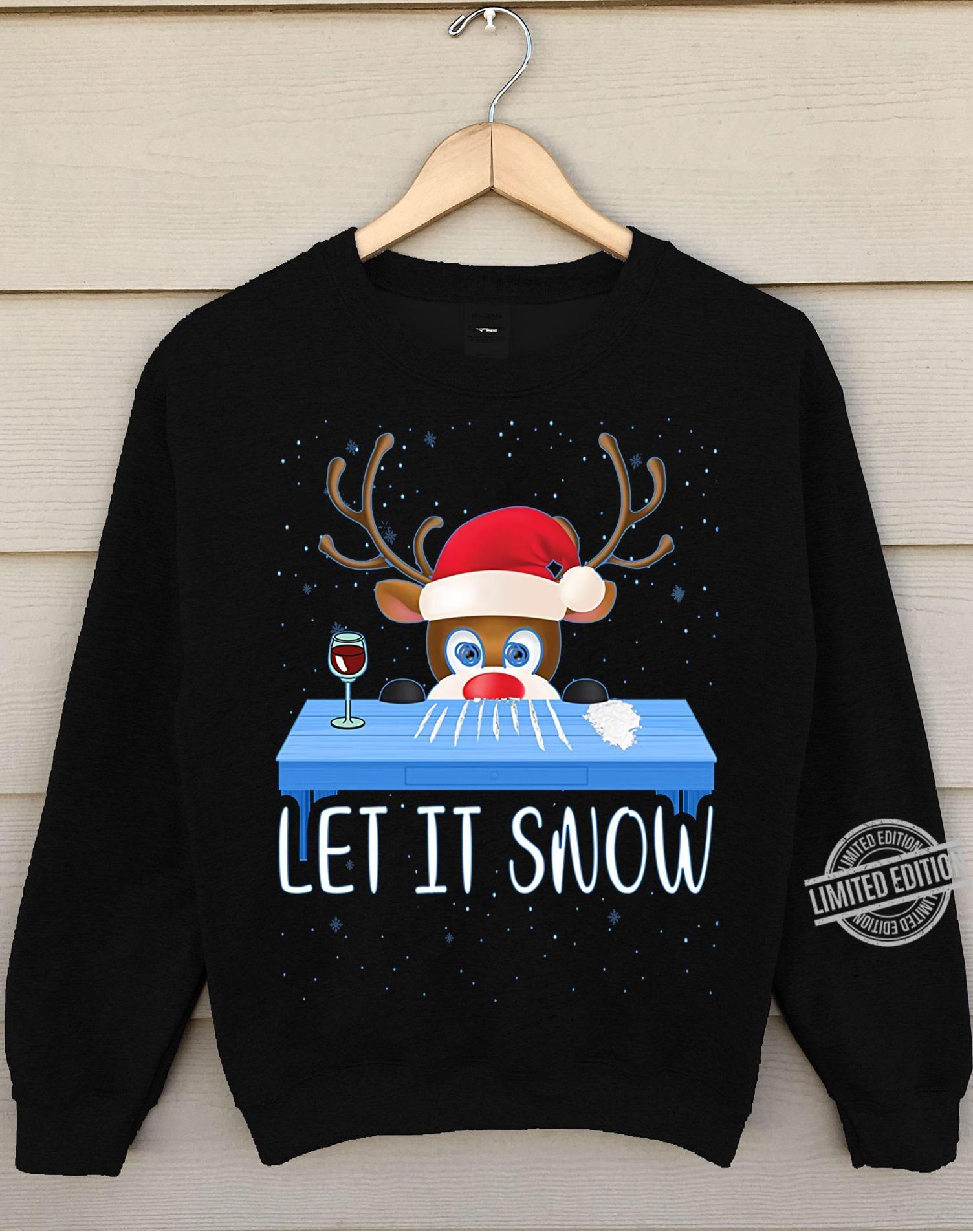 Reindeer Let It Snow Women T-Shirt